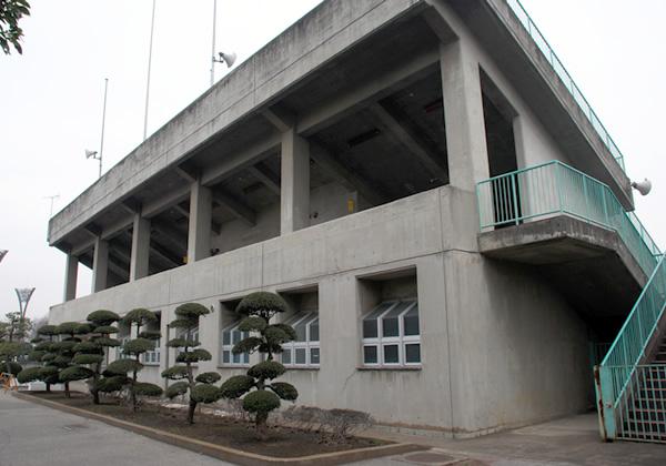 陸上競技場(建物)